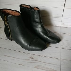 Leather ankle boots-Black-7M